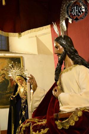 Cofradía Borriquilla Granada: DEVOTO BESAPIES EN HONOR A CRISTO REY 2013