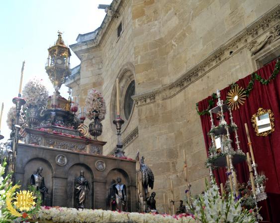 Cofradía Borriquilla Granada: REPRESENTACIÓN PROCESIÓN CORPUS CHRISTI