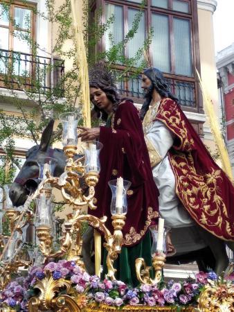 Cofradía Borriquilla Granada: ¡FESTIVIDAD SAN JUAN EVANGELISTA!