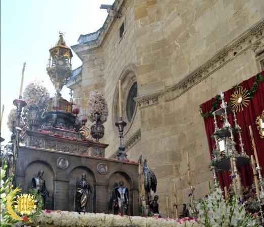 Cofradía Borriquilla Granada: REPRESENTACIÓN EN LA SOLEMNE PROCESIÓN DEL CORPUS CHRISTI