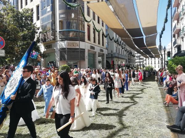 Cofradía Borriquilla Granada: ¡FELIZ DÍA DEL SANTÍSIMO SACRAMENTO DEL ALTAR!